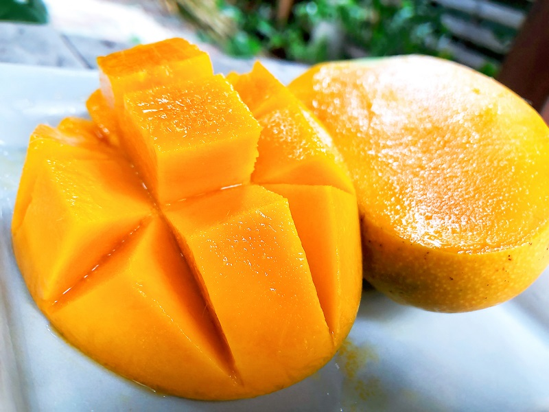 cut snow mango
